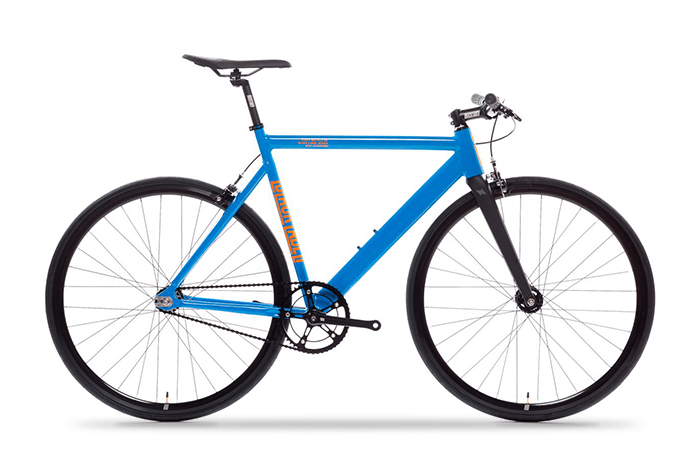 Das State Bicycle Black Label V2 in typhoon blue.